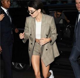 Kendall Jenner最新街拍 西装look十足雅痞腔调!